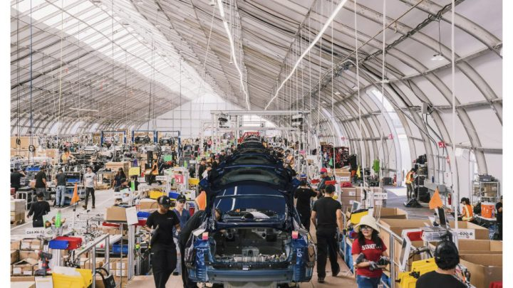 "Model 3 Assembly Line: Detailed Images of  Tesla's ""On the Fly"" Manufacturing"