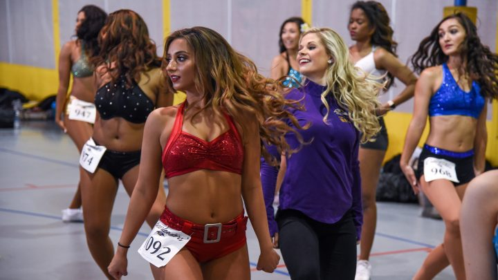 NFL Cheerleaders Need a Union