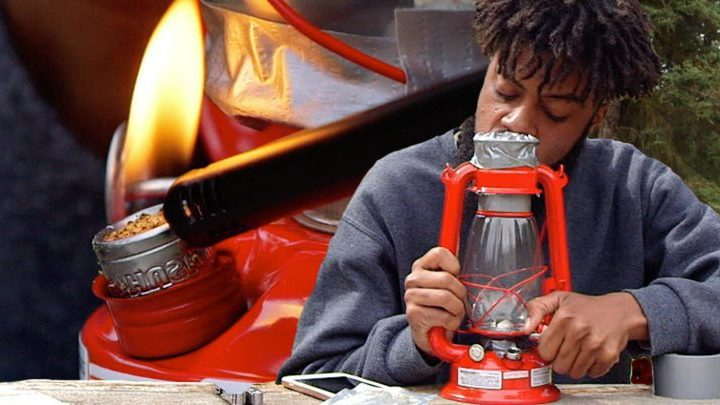 How to Smoke Weed Out of an Oil Lantern