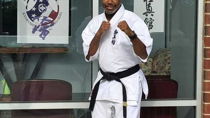 Alleged Kidnapper Chases Woman into Karate Dojo, Gets Ass Royally Whooped