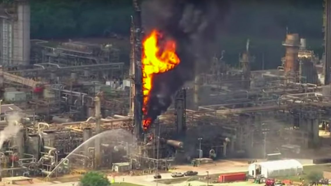 The Site of One of the Largest US Oil Refineries Is on Fire