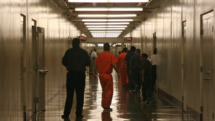 """ICE """"Deliberately"""" Denies Medical Care to Detainees, Lawsuit Says"""