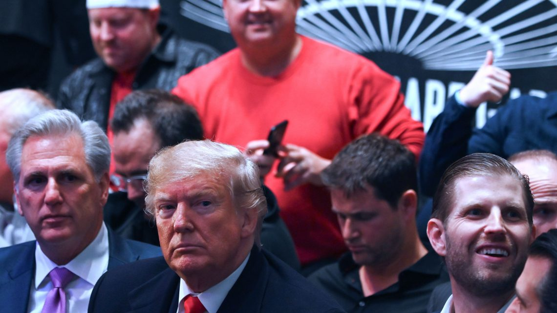 Watch Donald Trump Get Relentlessly Booed at Saturday's UFC Fight