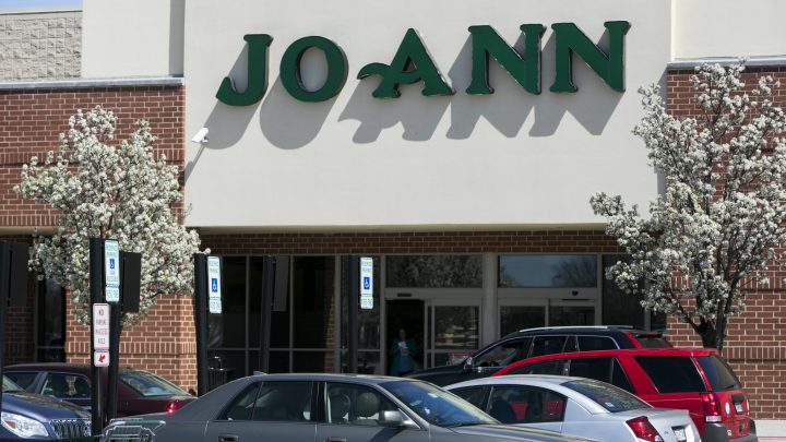 JoAnn Fabrics Employees Are Furious They're Working in Crowded Stores After the Company Declared Itself 'Essential'